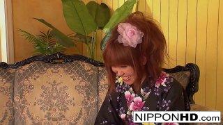 Asian hottie takes off her kimono for fucking