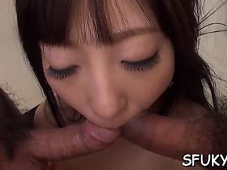 We oriental cumhole takes vibrating fake penis