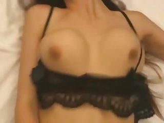 chinese girl 女神露脸穿着性感内衣被我操,身材超级好,高潮不断 中国模特