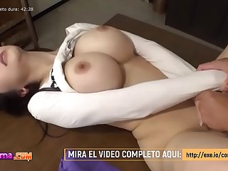 Chinita es follada por su Hermanastro. Mira el video completo aqui: