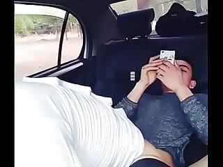 手机直播夫妻户外车震啪啪秀喜欢不要错过