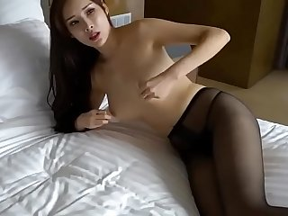 Linda Asiá_tica muy caliente. 周妍希 Alice Zhou  Nude Shoot BTS