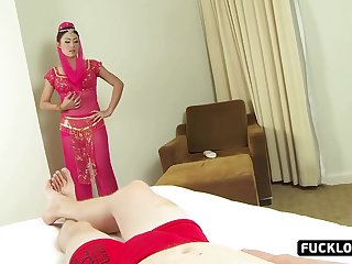 Mature hottie likes to jump on a dick