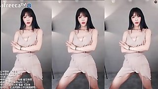 asian chick sexy dance