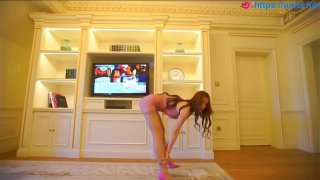 Chinese Pretty model Yan Yu Platinum girl for more videos