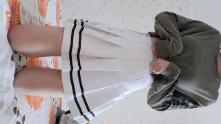 粉嫩学生妹在家穿着可爱短裙掰穴自慰  福利资源站:fuli03.com